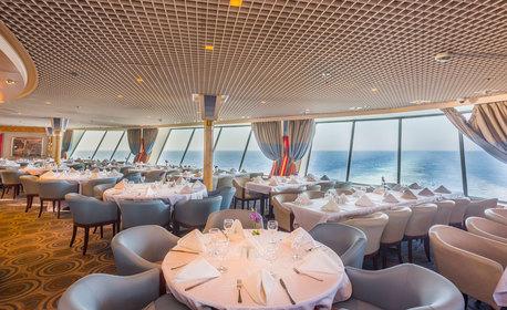 Летен круиз до островите Миконос, Санторини и Родос! 3 нощувки със закуски, обеди и вечери на кораб, с отпътуване от Чешме
