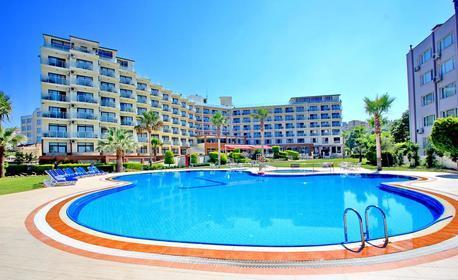 През Септември в Кушадасъ! 7 нощувки на база All Inclusive в хотел Royal Palace****