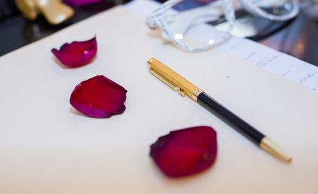 Индивидуална арт терапевтична сесия, плюс бонус - чаша вино