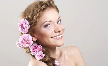 Масажно измиване на коса и възстановяваща маска, плюс оформяне на плитки по желание