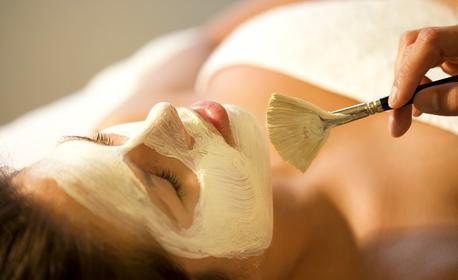 Дълбоко почистване на лице с ултразвук, плюс ампула с хиалуронова киселина