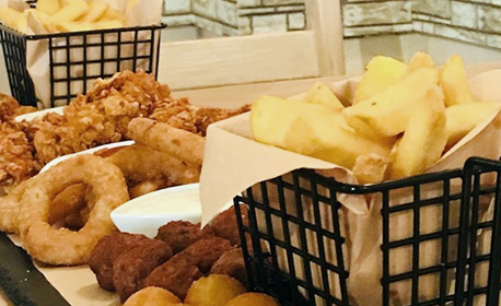 845гр бирено плато! Бейби кюфтенца, пилешки филенца, лучени кръгчета, картофени ноазети и пържени картофки