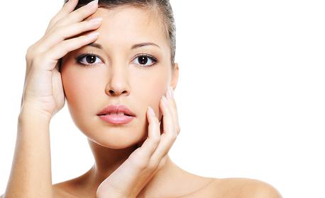 Безиглено влагане на филър и маска с хиалуронова киселина - за уголемяване на устни или запълване на бръчки