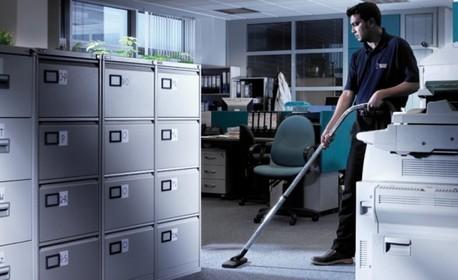 Професионално почистване на дом или офис до 100кв.м, плюс почистване на прозорци и пране на мека мебел