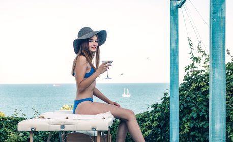 Лятна почивка в Балчик! Нощувка със закуска, плюс частичен масаж - на 80м от морския бряг