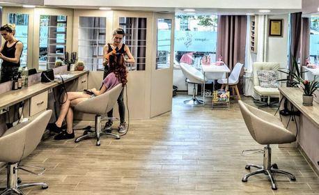 За косата! Измиване, подхранваща маска, подстригване и оформяне на прическа