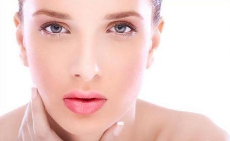Ревитализираща аnti-age терапия на лице и околоочен контур с френска козметика Аbsolue, с бонус оформяне на вежди