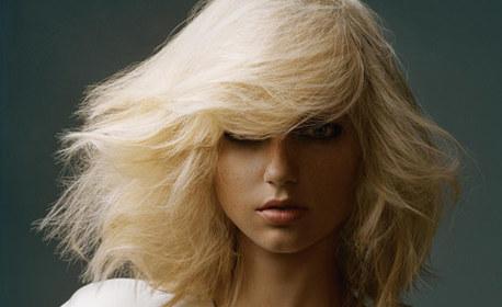 Боядисване на коса, подстригване на връхчета и оформяне