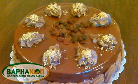 """Шоколадова торта с орехи и стафиди или ванилова торта """"Горски плодове"""""""