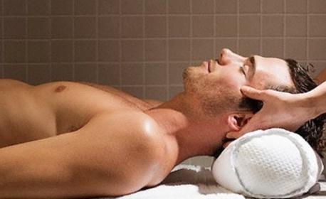 Тонизиращ масаж на гръб и цели крака или релаксиращ масаж на цяло тяло, плюс масаж на глава