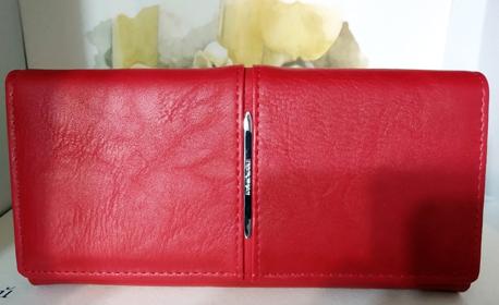 Дамско портмоне от естествена кожа - в модел, цвят и размер по избор