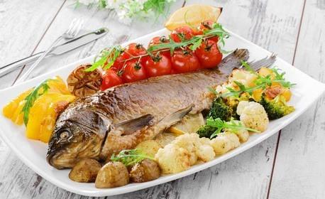 Хапване за вкъщи по случай Никулден! 2кг печен пълнен шаран с ориз, гъби, домат, лук и билки