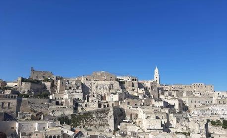 Екскурзия до италианския град Бари! 3 нощувки със закуски, плюс самолетен транспорт и възможност за Матера и Алберобело