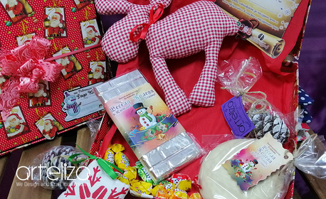 За малчугана! Кутия с изненади от Дядо Коледа