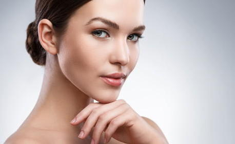 Почистване на лице с диамантено микродермабразио, плюс колагенова терапия