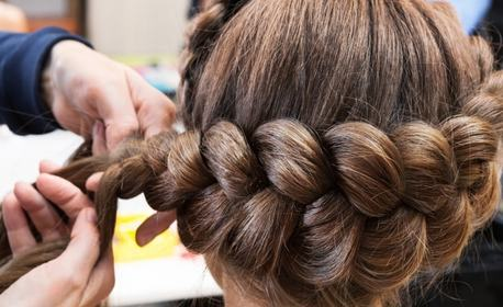 Подстригване или боядисване, плюс оформяне със сешоар, или детско подстригване плюс плитка