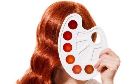 Боядисване на коса с боя на клиента и кератинова терапия, плюс оформяне със сешоар