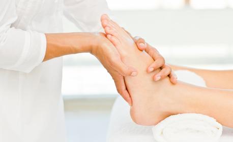 Подари празничен масаж! Дълбоко релаксиращ на цяло тяло, точков на ходила и хигиенно-козметичен anti-age на лице