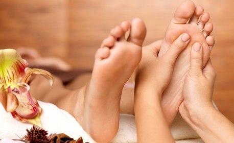 """Коледна SPA терапия """"Клеопатра"""" - масаж на цяло тяло, детоксикиращ масаж на гръб и крака и масаж на лице"""
