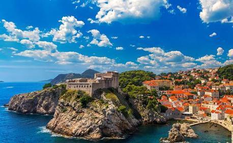 Луксозна Нова година в Черна гора! Посети Дубровник, Будва и Херцег Нови с 4 нощувки cъс закуски, 3 вечери, SPA център и транспорт