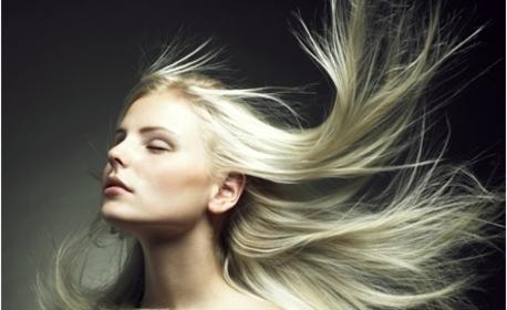 Масажно измиване на коса и боядисване на корени, плюс подстригване и сешоар по избор