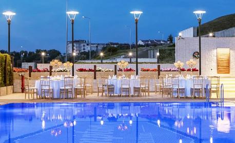 Нова година в Турция! 3 нощувки със закуски и вечери, едната от които празнична в Hampton By Hilton Hotel 4* - Гелиболу