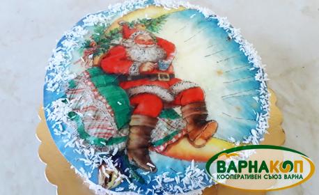 Коледна торта с портокалови корички и празничен дизайн