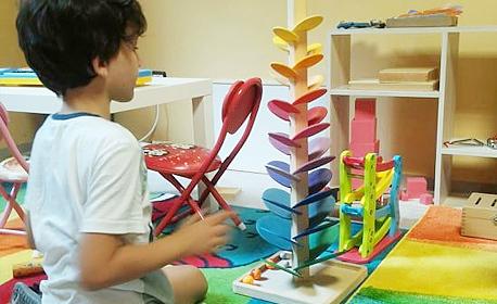 1 или 5 посещения на стандартна или Монтесори занималня за дете на 4 - 7г