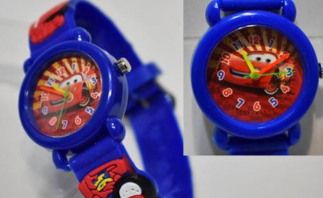 Зарадвай малчугана за празниците! Детски часовник с любим герой