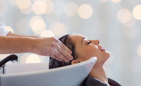 Измиване на коса, нанасяне на подхранваща маска и оформяне на две боксьорски плитки