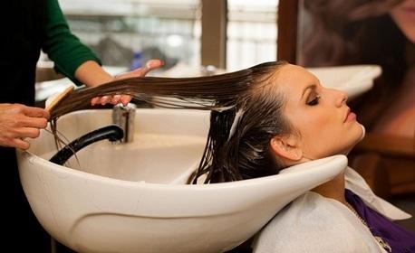 Измиване на коса и подстригване, плюс подхранваща терапия с инфраред преса и оформяне със сешоар