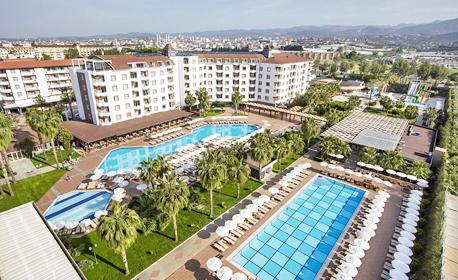 Петзвездна почивка край Алания! 7 нощувки на база Ultra All Inclusive Хотел Royal Garden Beach*****