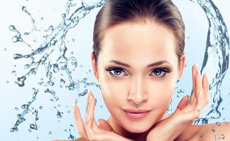 Хидратираща хиалуронова или йогурт терапия на лице, плюс почистване с ултразвук и масаж