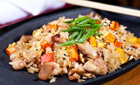 Китайска кухня! Салата, плюс две основни ястия, по избор