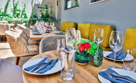 Двама във Варна! Нощувка със закуска и възможност за ползване на VIP релакс зона
