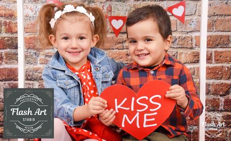 Студийна фотосесия с 3, 5 или 7 обработени кадър - за семейство или двойка