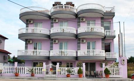 На море край Паралия Катерини! 5 нощувки със закуски и вечери, плюс транспорт и посещение на Солун,