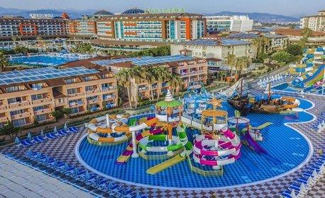 През Май в Анталия! 7 нощувки на база Ultra All Inclusive в Хотел Lonicera Resort & SPA*****, край Алания