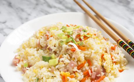 Салата и две китайски ястия по избор