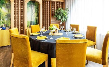 SPA почивка в Панагюрище! Нощувка със закуска и вечеря за един или двама, плюс басейни с минерална вода и релакс зона
