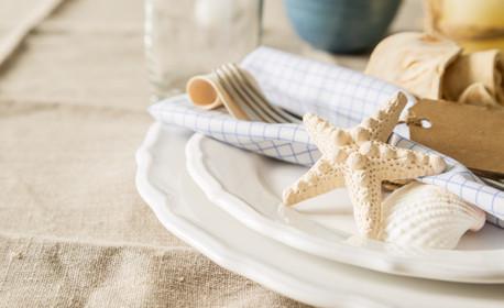 Закуска на бюфет през уикенда - на брега на морето