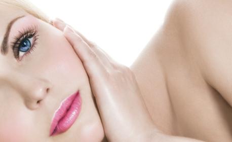 Микроиглена мезотерапия на лице и шия с Dermapen и подмладяващ серум Genix