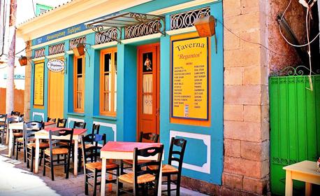 Великден на остров Лефкада! 3 нощувки със закуски в Нидри, плюс транспорт и посещение на Мецово, Милос и Агиос Йоанис