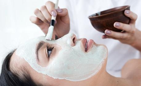 Дълбоко почистваща, депигментираща или anti-age процедура за лице с Collagena