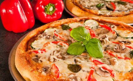 Голяма пица на пещ и десерт, по избор - за консумация на място или вземане за вкъщи