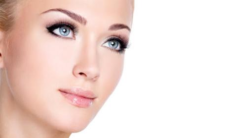 Биоревитализиращ пилинг за лице с бадемова киселина и фитостволови клетки