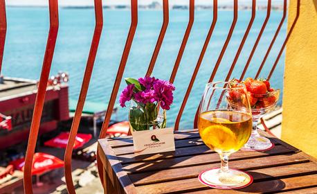 SPA ваканция на Поморийския бряг! 2 или 3 нощувки със закуски за двама, плюс закрит басейн и релакс зона