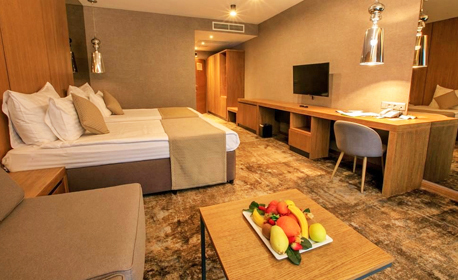 5-звездна почивка в Сандански! 3 нощувки със закуски и вечери за един или двама, плюс масаж, басейни и релакс зона