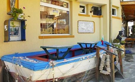 Летни емоции в Равда! Нощувка с възможност за закуска и вечеря, плюс басейн - на 250м от плажа