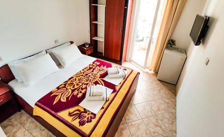 Септемврийски празници в Черна гора! 4 нощувки със закуски и вечери в хотел 3* в Будва, плюс транспорт и посещение на Дубровник
